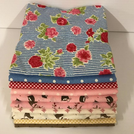 Cottontail Cottage 10 Fat Quarter Pack